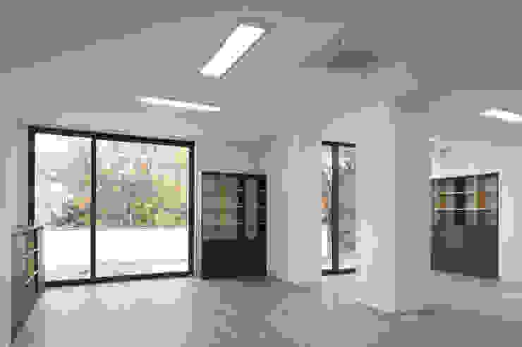 목동 유신메디칼 사옥 by (주)건축사사무소 모도건축 모던 플라스틱