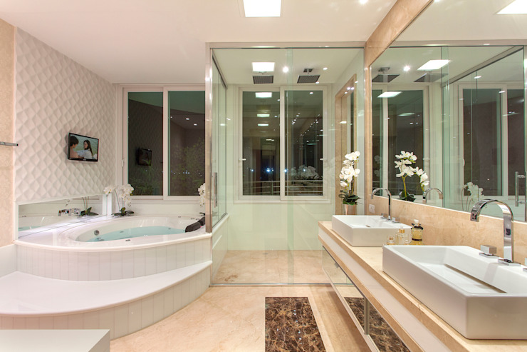 Casa Paraíso Banheiros modernos por Designer de Interiores e Paisagista Iara Kílaris Moderno