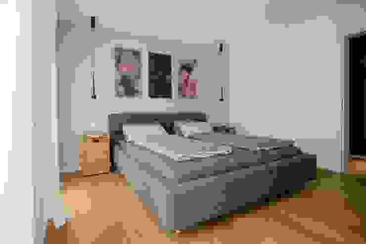 Schlafzimmer Moderne Schlafzimmer von BPLUSARCHITEKTUR Modern