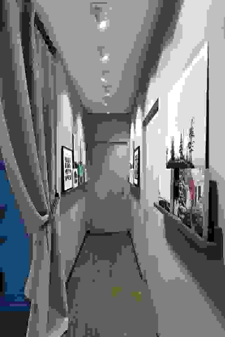 Mediterranean corridor, hallway & stairs by Дизайн студия Алёны Чекалиной Mediterranean