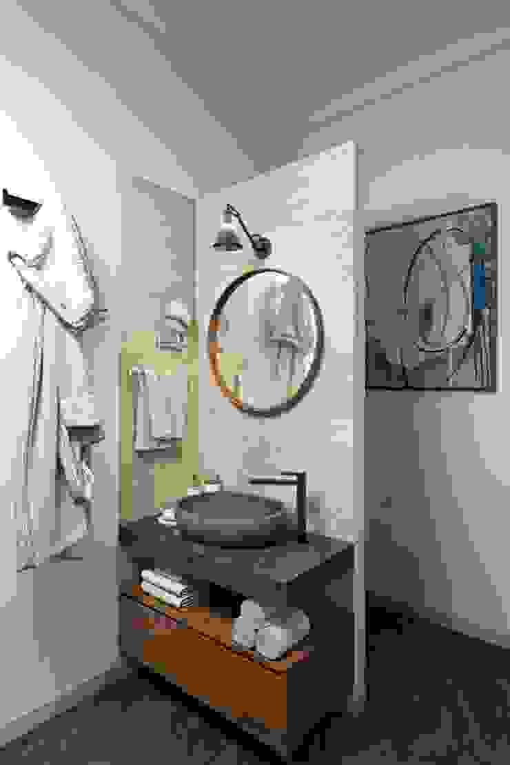 Mediterranean style bathrooms by Дизайн студия Алёны Чекалиной Mediterranean