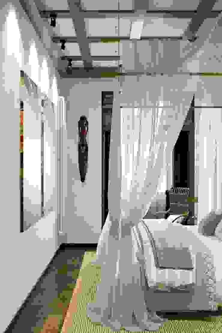 Mediterranean style bedroom by Дизайн студия Алёны Чекалиной Mediterranean