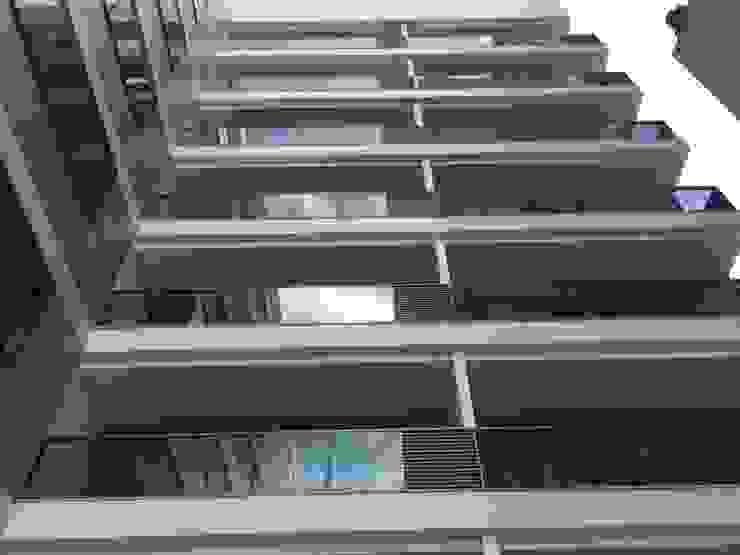 Prédio Residêncial Blue Hope . Vitória - ES . Brasil: Condomínios  por Carlos Eduardo de Lacerda Arquitetura e Planejamento ,Moderno