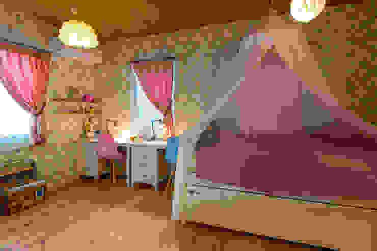 原山Y邸: 株式会社アートアーク一級建築士事務所が手掛けた女の子部屋です。
