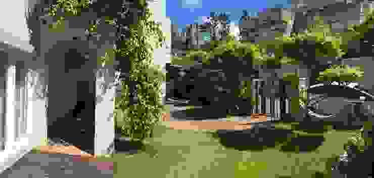 一入家門先穿過寧靜舒適的庭園,洗去在外的身心疲憊 根據 大地工房景觀公司 熱帶風