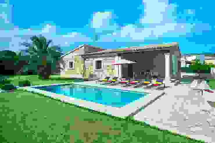 Single family home by Diego Cuttone, arquitectos en Mallorca, Country
