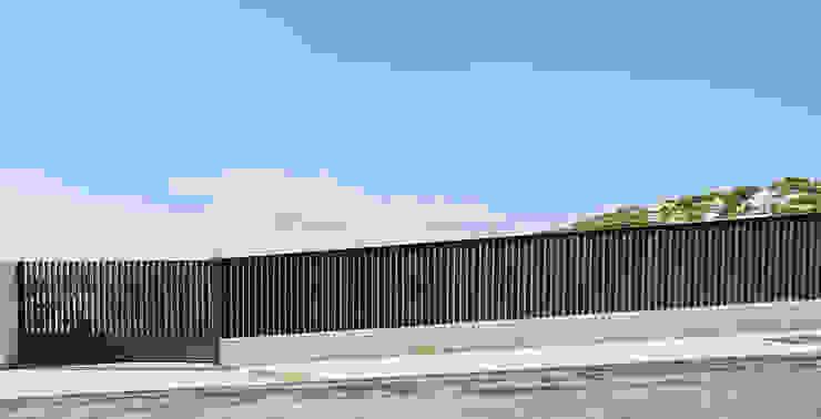 CASA FORBES Miel Arquitectos Modern style doors