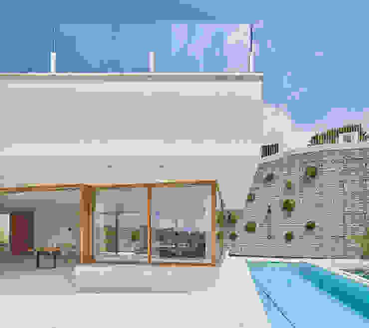 CASA FORBES Miel Arquitectos Modern home