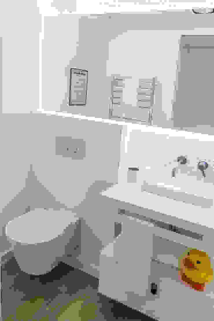 ARQ1to1 - Arquitectura, Interiores e Decoração Modern bathroom