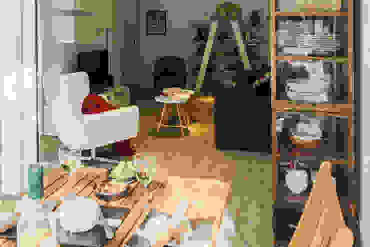 Remodelação total apartamento na Costa da Guia, Cascais Varandas, marquises e terraços modernos por ARQ1to1 - Arquitectura, Interiores e Decoração Moderno