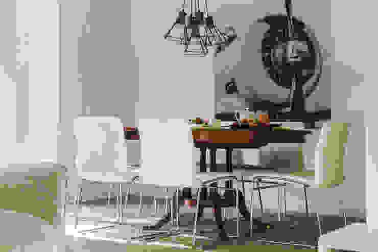 Remodelação total apartamento na Costa da Guia, Cascais Salas de jantar modernas por ARQ1to1 - Arquitectura, Interiores e Decoração Moderno