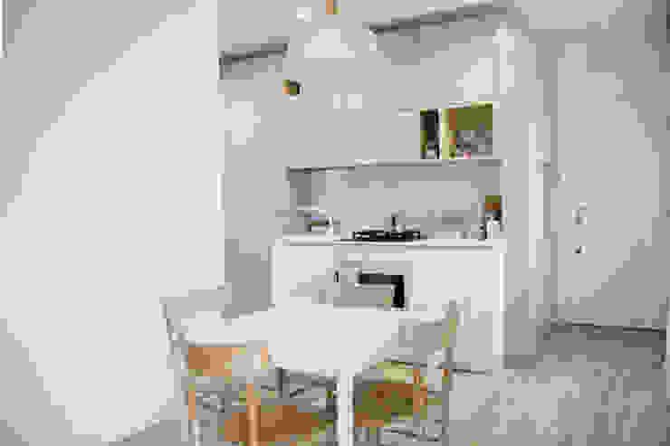 Spazio 14 10 di Stella Passerini Minimalist dining room