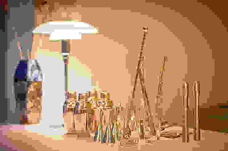 licht_loben 리히트로벤 : 바른디자인 - barundesign의 현대 ,모던 금속