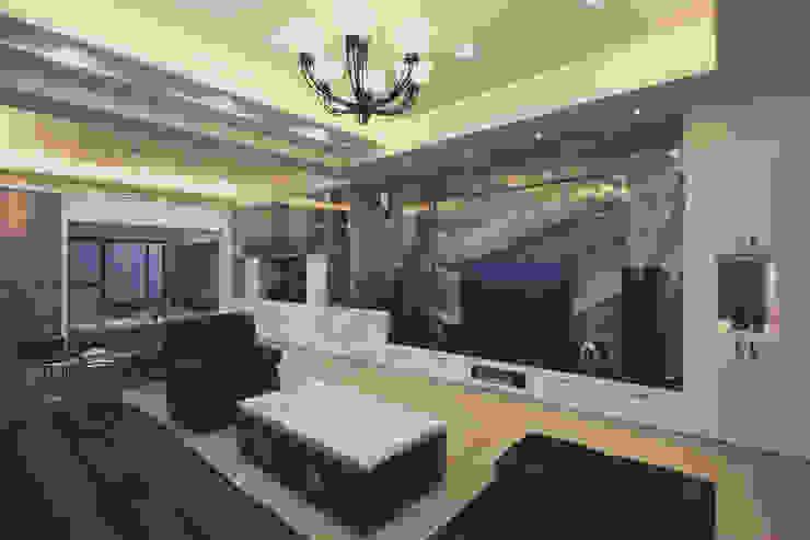 客廳電視牆使用有條紋造型的石磚顯得高貴大器 现代客厅設計點子、靈感 & 圖片 根據 奕禾軒 空間規劃 /工程設計 現代風