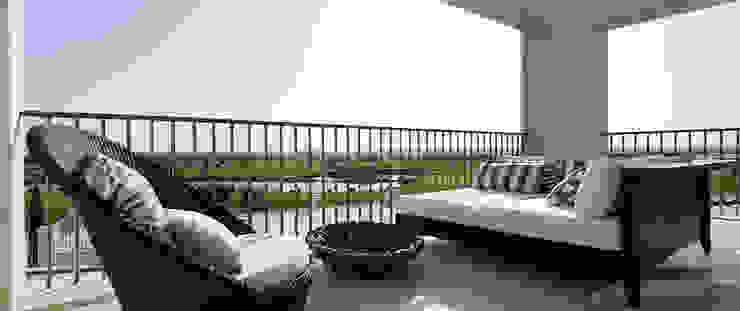 Modern balcony, veranda & terrace by Barbot Modern