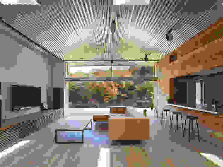 リビングダイニング: 藤原・室 建築設計事務所が手掛けたリビングです。,