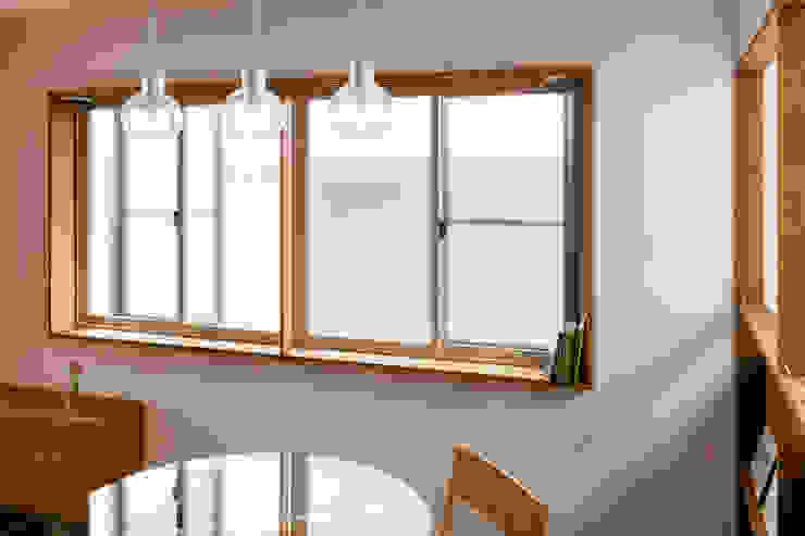 コバルトデザイン一級建築士事務所 Modern windows & doors