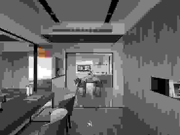 悠.繞 |Leisure.Round 現代廚房設計點子、靈感&圖片 根據 理絲室內設計有限公司 Ris Interior Design Co., Ltd. 現代風