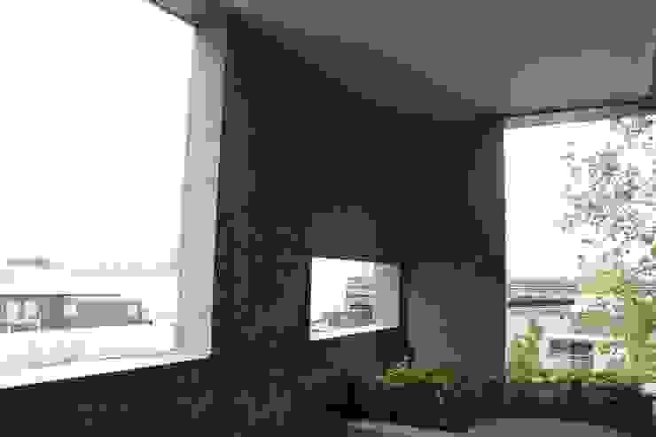 側面-施工前 根據 鵝牌氣密窗-台中直營店