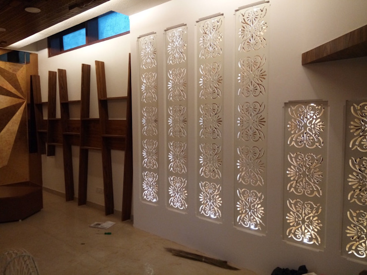 WALL CONCEPT IN CNC CUTTING Classic style corridor, hallway and stairs by SHUFFLE DESIZN Classic