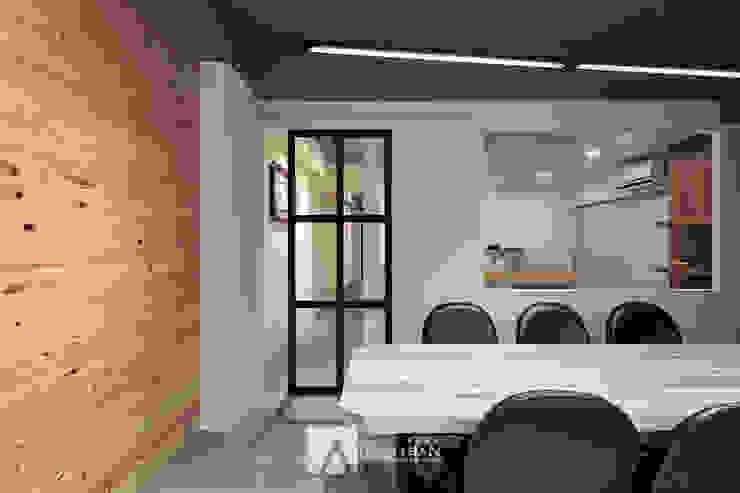 會議室 根據 芸匠室內裝修設計有限公司 工業風 鐵/鋼