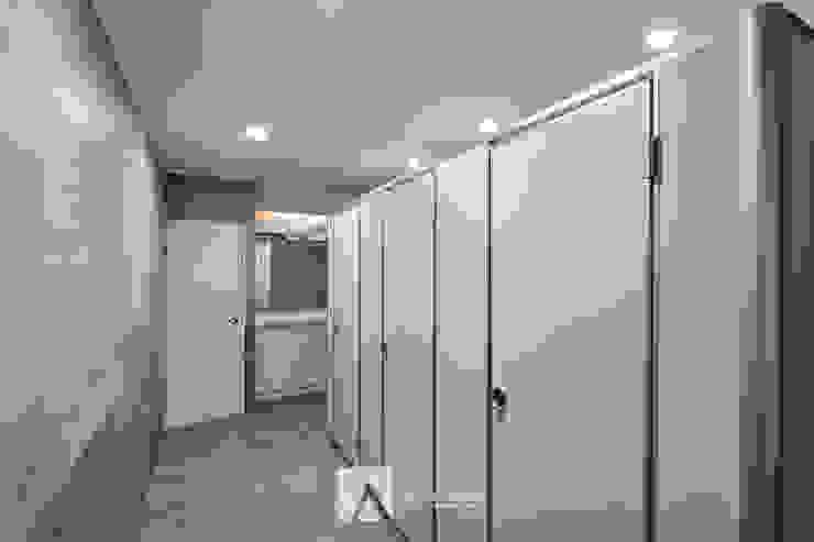 洗手間 根據 芸匠室內裝修設計有限公司 現代風 磁磚