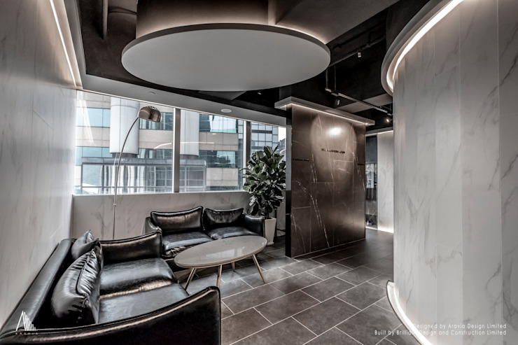 Reception Area 根據 Brilliant Design & Construction Ltd. 現代風