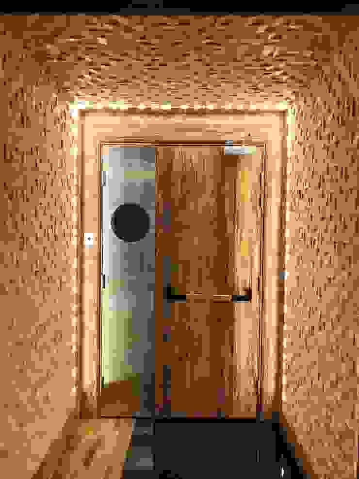 Entrance Modern offices & stores by Brilliant Design & Construction Ltd. Modern