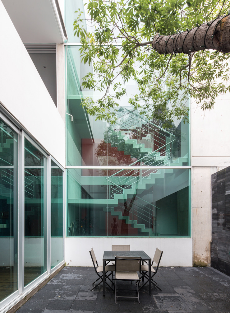 Modern houses by TaAG Arquitectura Modern