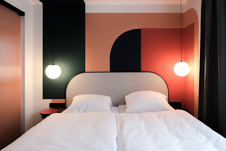 THE DOT HOTEL LOVA Moderne Hotels Glas Rot