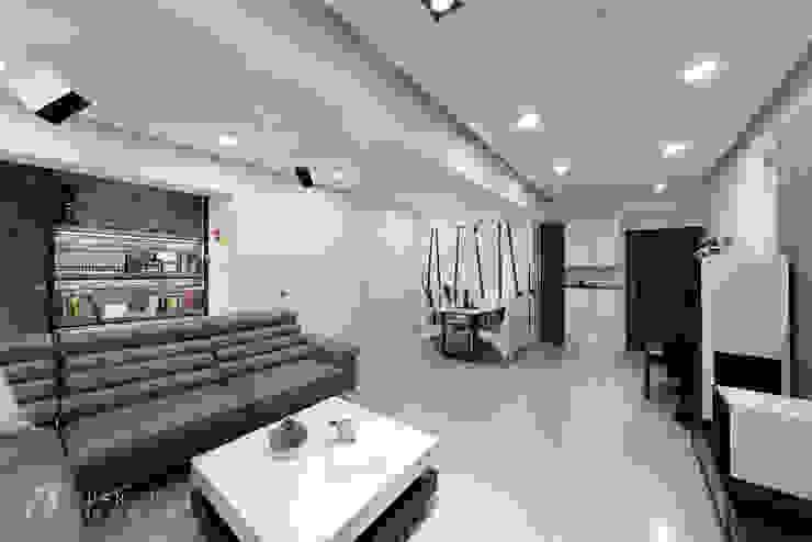 客餐廳視覺感 现代客厅設計點子、靈感 & 圖片 根據 元作空間設計 現代風