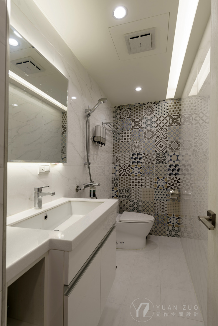 Baños de estilo moderno de 元作空間設計 Moderno
