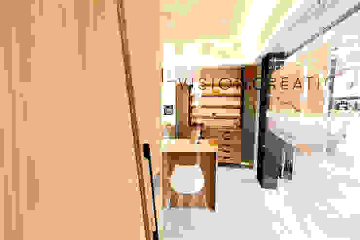 顛覆傳統並充滿視覺享受的眼鏡舖 根據 On Designlab.ltd 現代風 玻璃