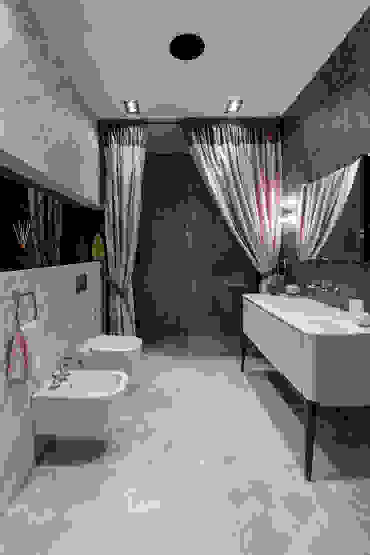 Modern bathroom by Eli's Home Modern