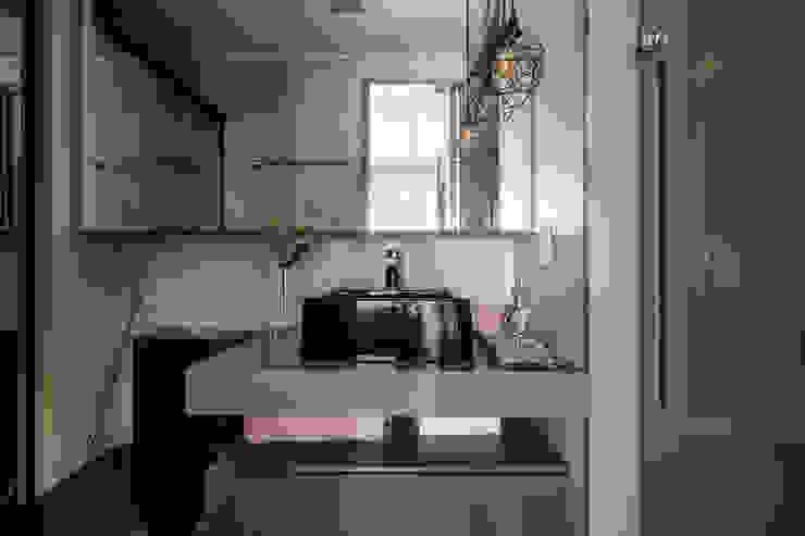 Mirá Arquitetura Industrial style bathroom