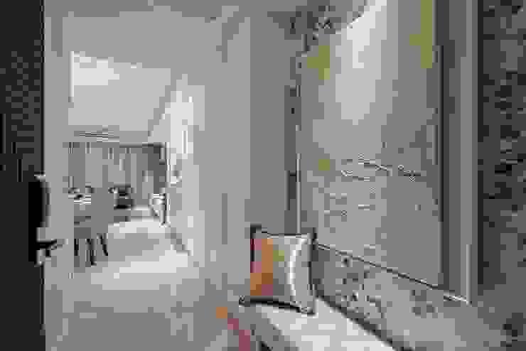 藝景廊道 經典風格的走廊,走廊和樓梯 根據 趙玲室內設計 古典風