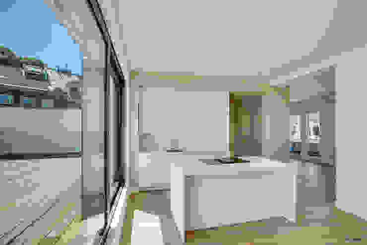 Gründerzeithaus A ZHAC / Zweering Helmus Architektur+Consulting Moderne Küchen