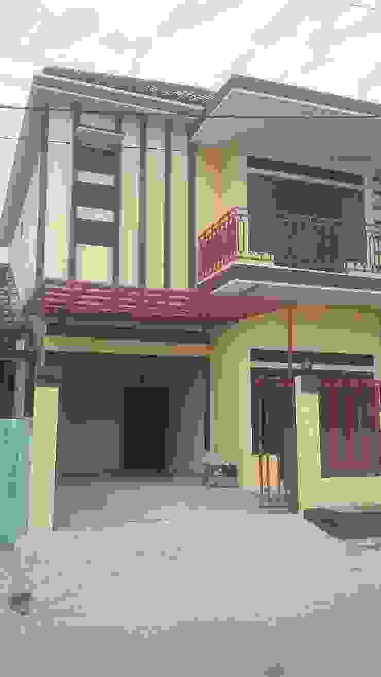 Rumah Pribadi Ibu Erda Balkon, Beranda & Teras Minimalis Oleh MODE KARYA Minimalis Beton