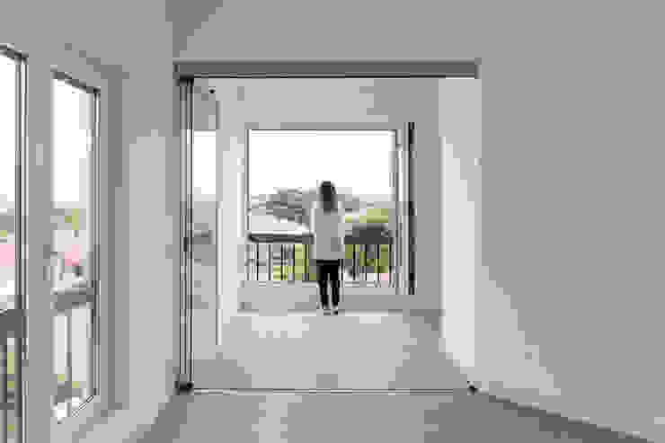 Projeto de Arquitetura Commerzn - Boutique Property Developer Varandas Branco