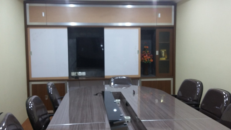 Meeting Room Furniture :modern  oleh MODE KARYA, Modern Kayu Wood effect