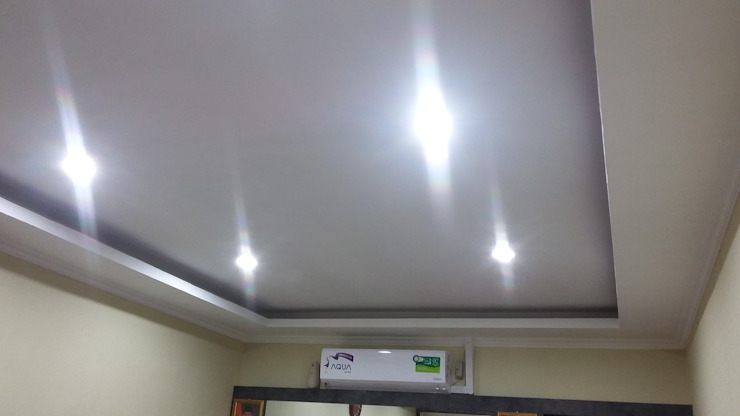 Drop ceiling :modern  oleh MODE KARYA, Modern Kayu Wood effect