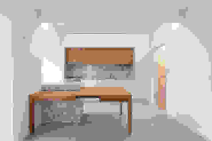 Cozinha Salas de estar minimalistas por BL Design Arquitectura e Interiores Minimalista Madeira Acabamento em madeira