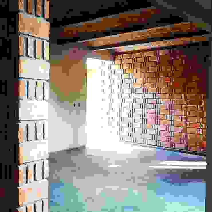 Vintark arquitectura Mediterranean style living room