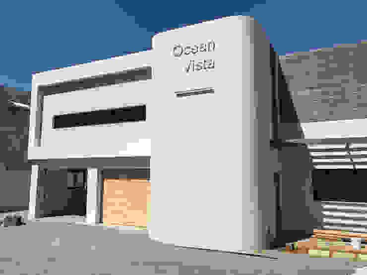 Modern home by John Smillie Architects Modern