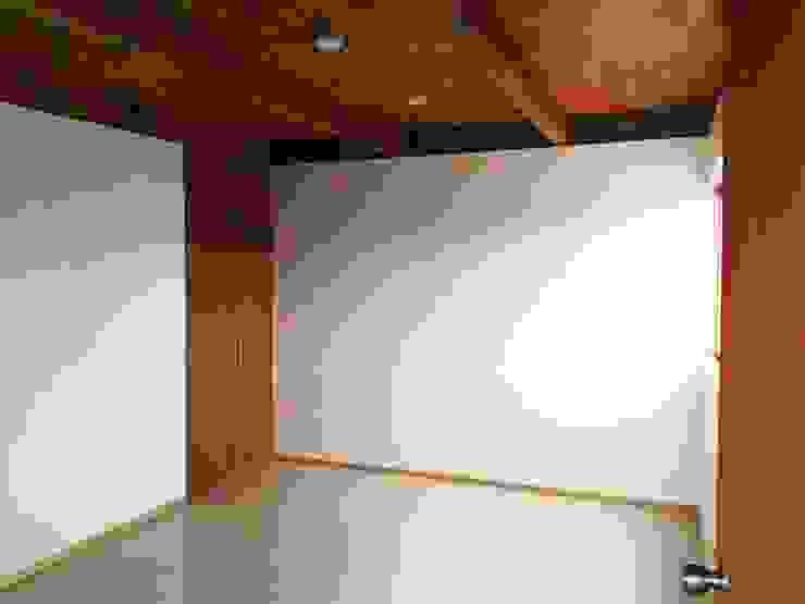 Prototype studio Modern style bedroom Wood effect