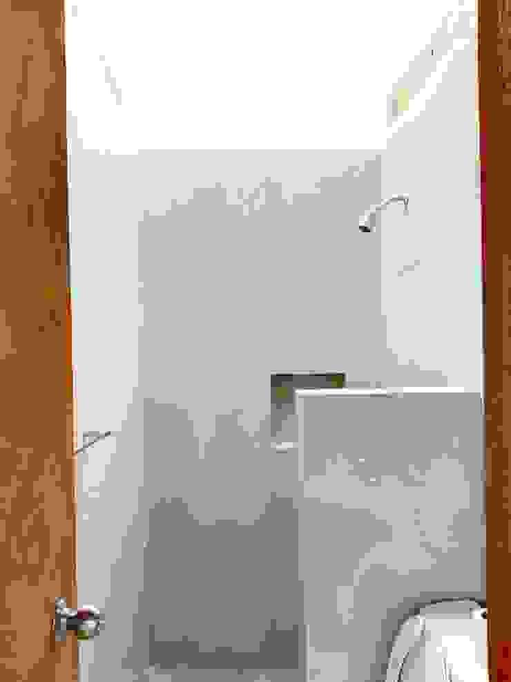 Prototype studio Modern bathroom Wood effect