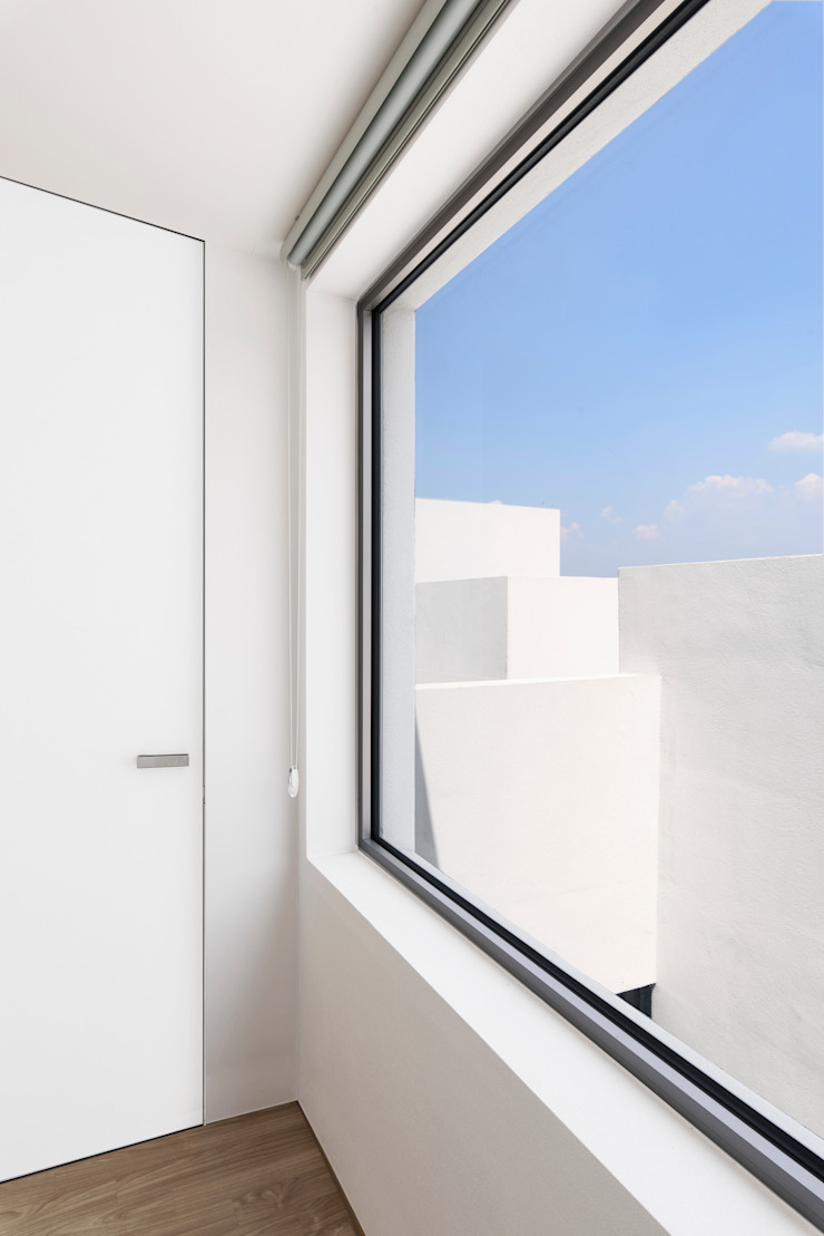Modern Windows and Doors by Lee Jae Architects Modern