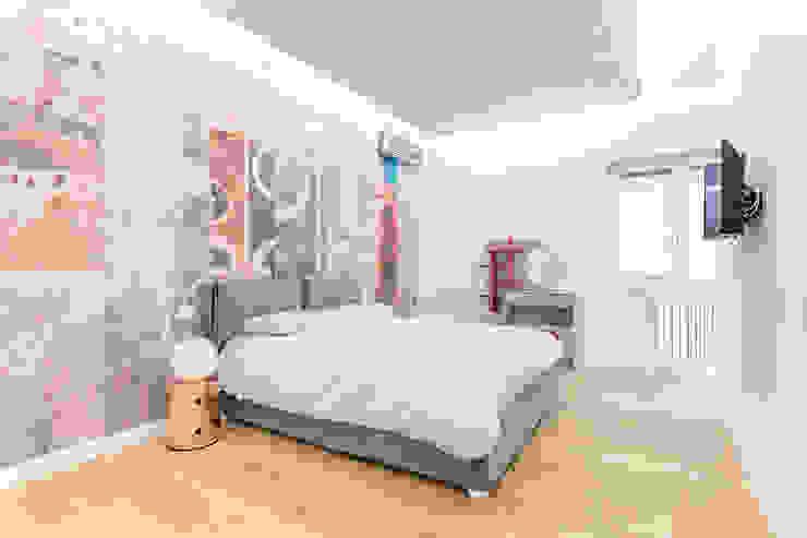 Modern Bedroom by Facile Ristrutturare Modern