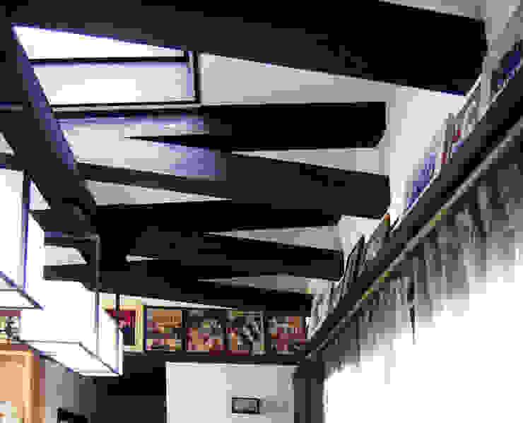 실내 중앙 홀 모던스타일 거실 by IDA - 아이엘아이 디자인 아틀리에 모던