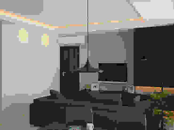 Ruang Keluarga 3 (Tampak Lain) Oleh Tatami design